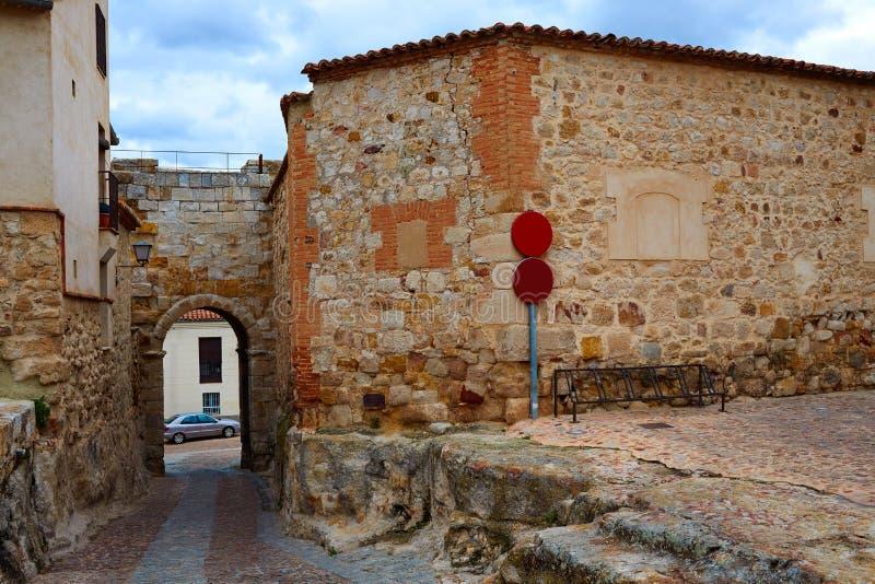 Zamora-Tür von Dona Urraca in Spanien stockbild