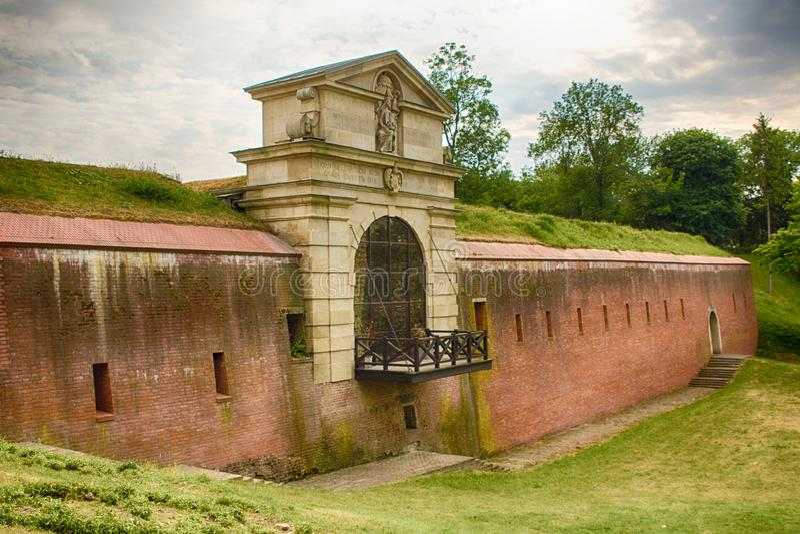 Zamosc Πολωνία: ένα κτήριο που ονομάζεται ιστορικό Stara Brama Lubelska στοκ εικόνα
