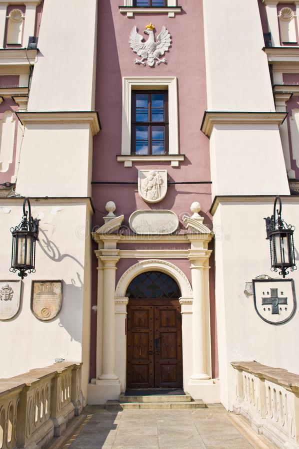 Zamosc Polen, Juli 2019, oude stadsarchitectuur stock afbeelding