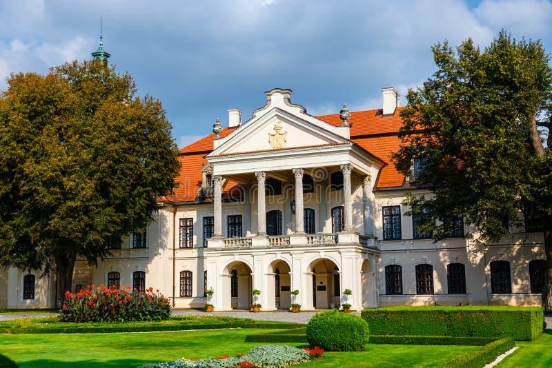 Zamoyski-Palast in Kozlowka nahe Lublin in Ost-Polan lizenzfreies stockfoto