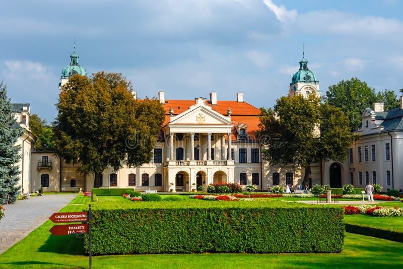 Zamoyskipaleis in Kozlowka Het is een groot complex rococo en een neoklassiek paleis gelegen in Ko stock fotografie