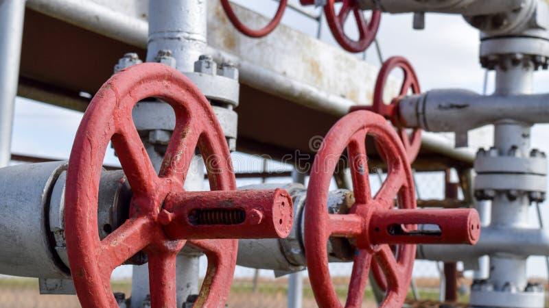 Zamykać klapy na naciska well bieżącym wyposażeniu olej obraz stock