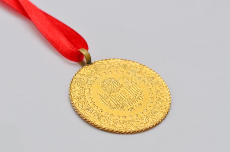 Zamyka do Tureckiej tradycyjnej złocistej monety zdjęcie stock