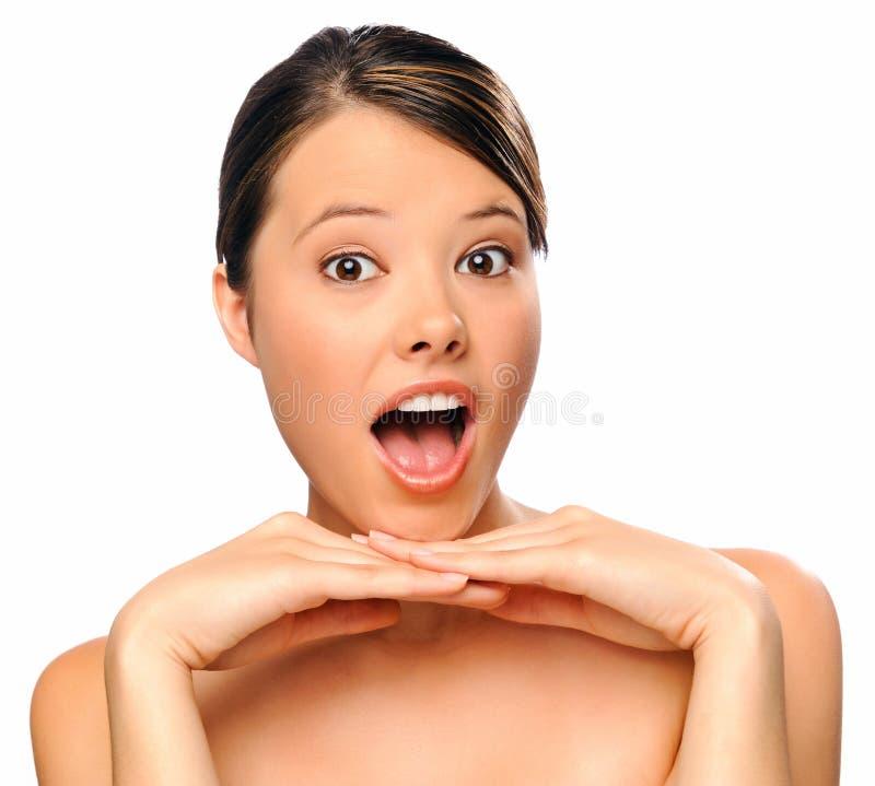 Zamyka młoda kobieta uśmiechnięta młoda kobieta zdjęcie stock