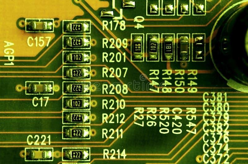 Zamyka up barwiona mikro obwód deska tło abstrakcyjna technologii Komputerowy mechanizm w szczególe obraz royalty free