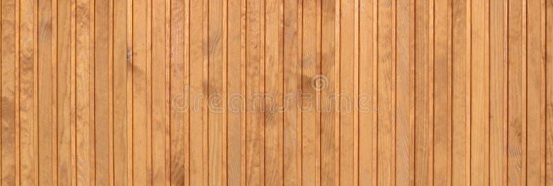 Zamyka up brown drewniani płotowi panel Wiele pionowo drewniane deski obrazy royalty free