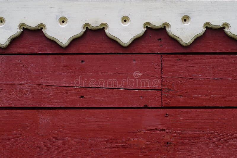 Zamyka Up drewniana ściana z częścią drewniana rzeźbiąca nadokienna rama zdjęcie stock