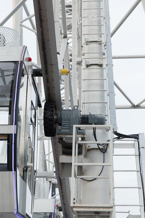 Zamyka up ferris koła prowadnikowy mechanizm fotografia stock