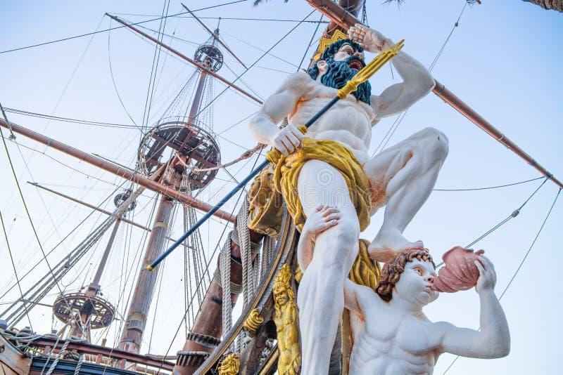 Zamyka up figurant na pirata statku w genui, Włochy obraz royalty free