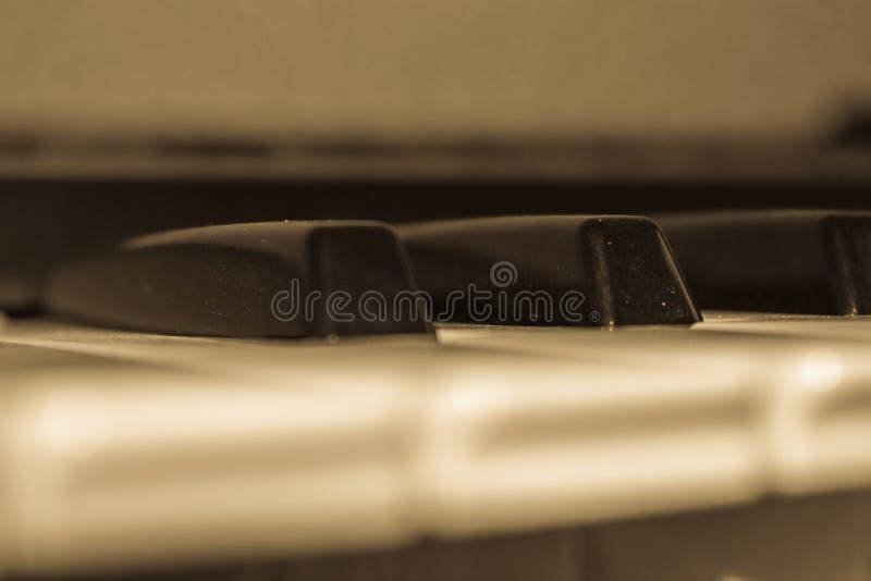 Zamyka up klucze na klawiaturze - pianino obraz royalty free