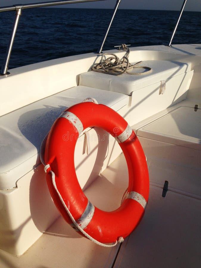 Zamyka up lifebelt na łodzi zdjęcia stock