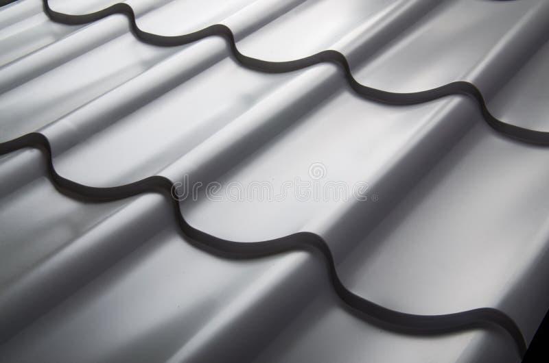 Zamyka up metal dachowa płytka obrazy stock