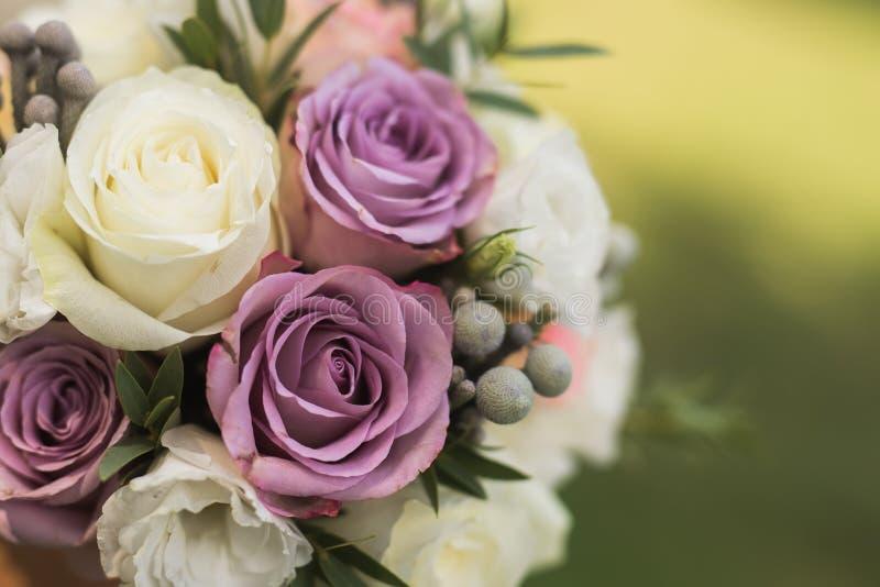 zamyka up piękny bridal bukiet zdjęcie stock