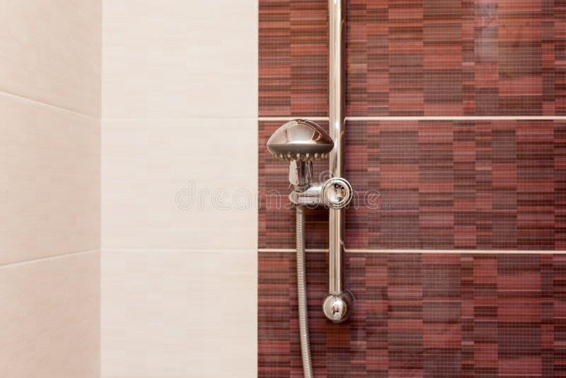 Zamyka up podeszczowej prysznic głowa w łazience fotografia royalty free