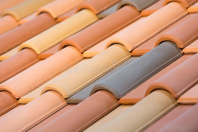 Zamyka up pomarańczowe gliniane dachowe płytki zdjęcie stock