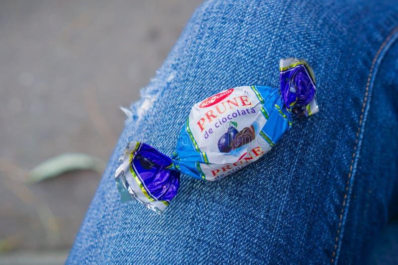 Zamyka up ` Pruna w ciocolata ` Bucuria cukierku zdjęcie stock