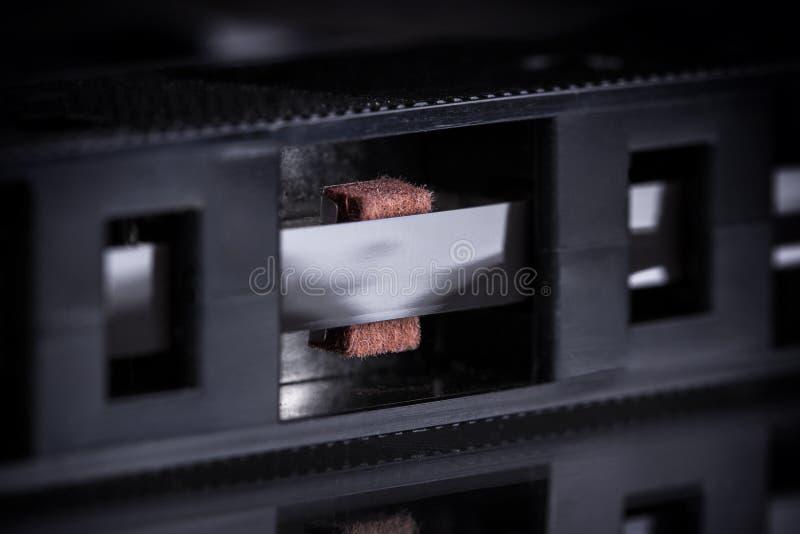 Download Zamyka Up Stara Kaseta Na Czarnym Tle, Obraz Stock - Obraz złożonej z dźwięk, hałas: 28966563