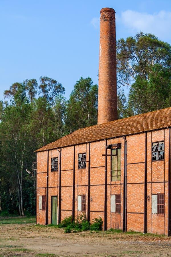 Zamyka up zaniechanej xix wiek wełny tekstylna fabryka od rewoluci przemysłowa obrazy stock