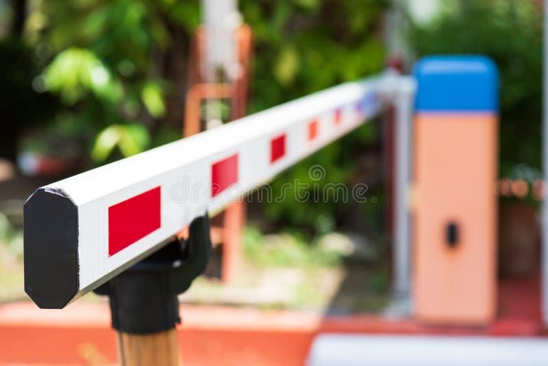Zamyka w górę bariery bramy Automatycznego systemu dla ochrony fotografia stock