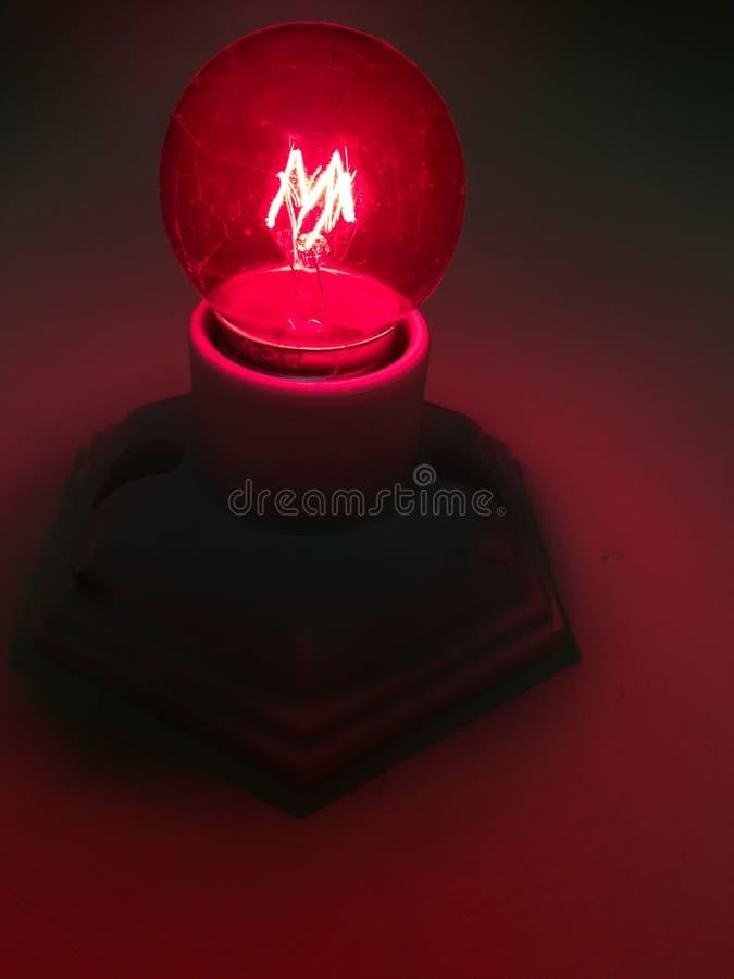 Zamyka w górę czerwone światło żarówki obrazy royalty free