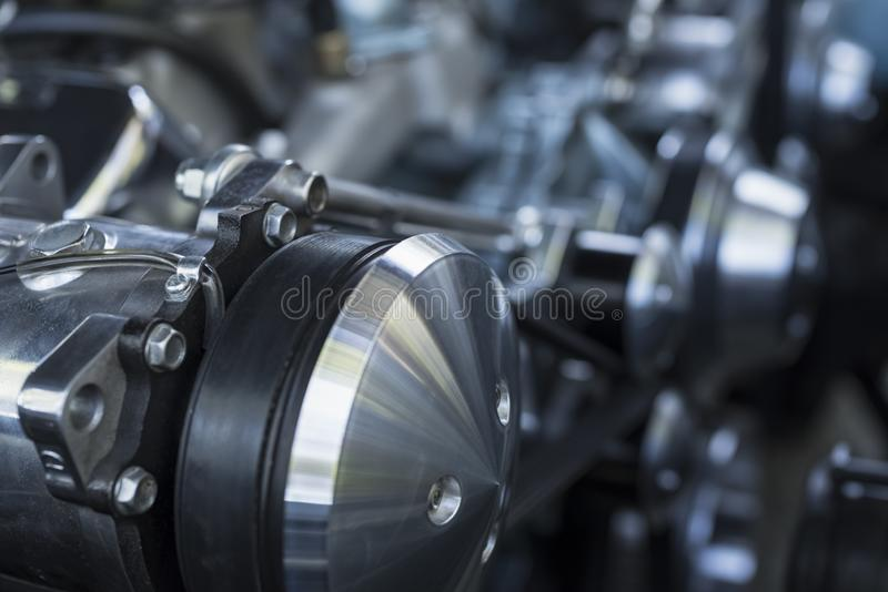 Zamyka w górę klasycznego samochodowego silnika obraz stock