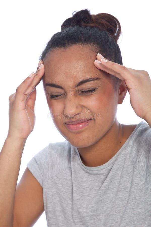 Zamyka w górę młodej kobiety cierpienia Od migreny fotografia royalty free