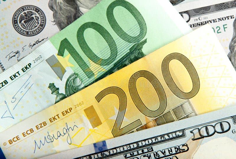 Zamyka w górę notatka Istnego Dolarowego euro dolarowy różnica euro zauważa symbol symbol różnic euro dolar zdjęcie stock