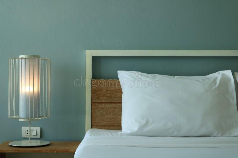 Zamyka w górę Nowożytnego projekta sypialni wnętrza obraz stock