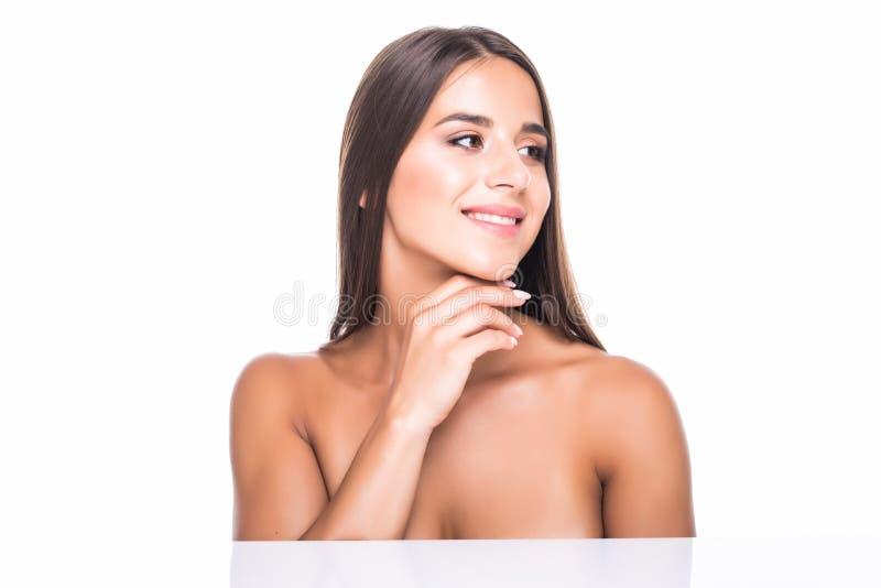 Zamyka w górę piękno portreta piękna przyrodnia naga kobieta odizolowywająca nad białym tłem zdjęcia royalty free
