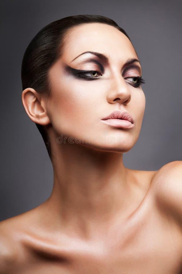 Zamyka w górę portreta spokojna brunetka zdjęcia royalty free