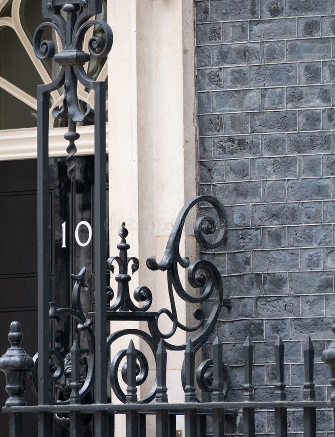 Zamyka w g?r? powierzchowno?ci 10 Downing Street, oficjalna rezydencja i biuro premier UK, zdjęcia stock