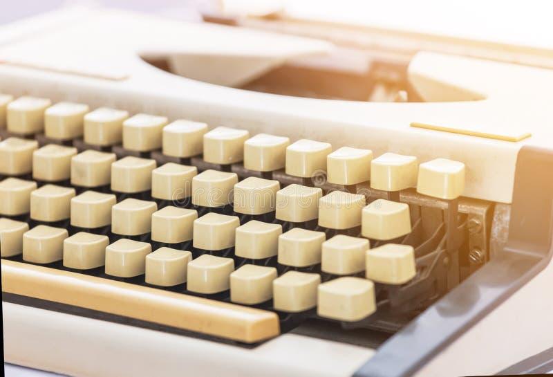 Zamyka w górę starej klasycznej rocznik maszyny do pisania zdjęcie stock