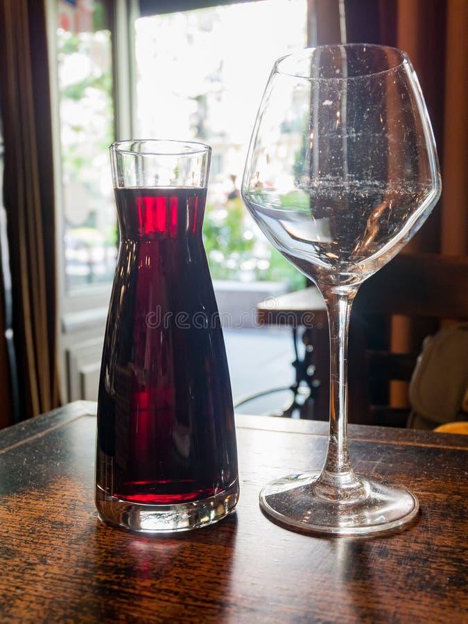 Zamyka w górę strzału czerwone wino fotografia royalty free