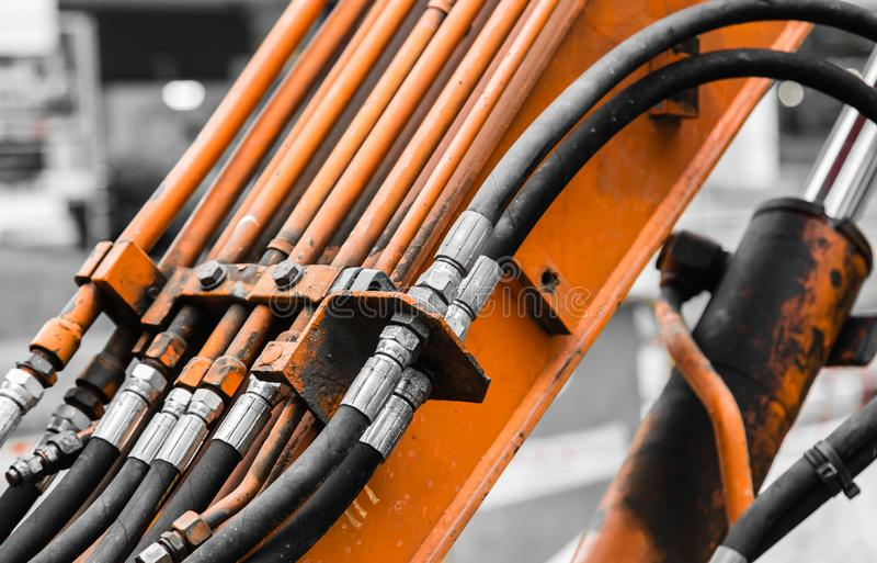 Zamyka w górę widoku fajczany system hydrauliczne klapy w maszynerii obrazy stock