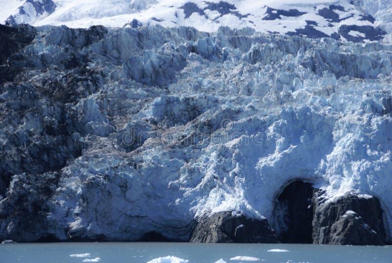 Zamyka w górę widoku wielki lodowiec na krawędzi ocean w Alaska obrazy royalty free