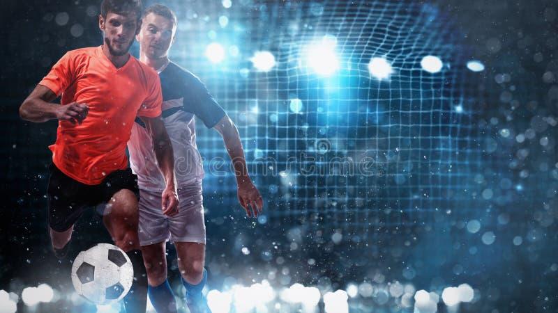 Zamyka w górę wyzwania między gracz piłki nożnej z piłka nożna celem w tle zdjęcia royalty free