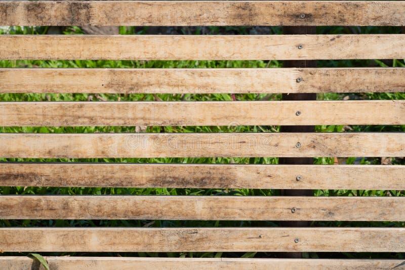 Zamyka w g?r? starego br?zu drewnianego lath z naturalnym pasiastym t?em i tekstur? zdjęcia stock