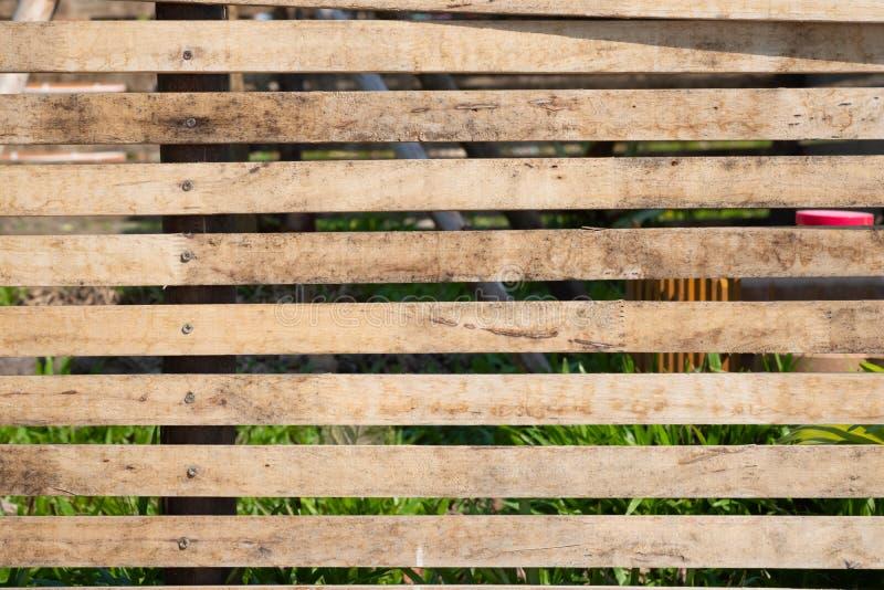 Zamyka w g?r? starego br?zu drewnianego lath z naturalnym pasiastym t?em i tekstur? zdjęcie stock