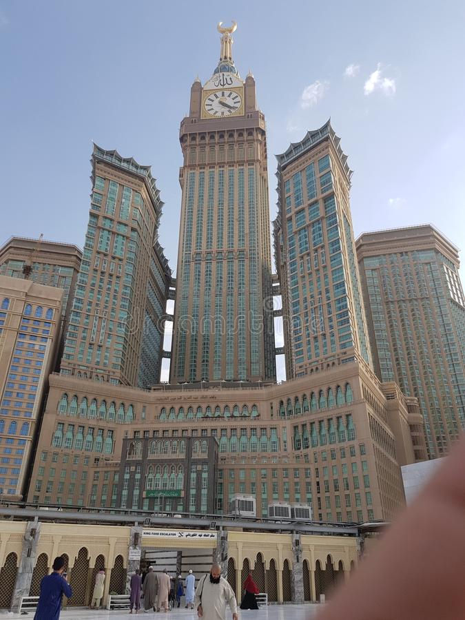 Zamzam står högt Mekkah Förenade Arabemiraten arkivfoto