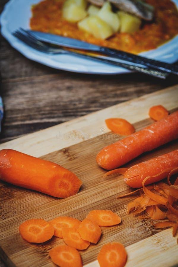 Zanahorias crudas de los cortes foto de archivo libre de regalías