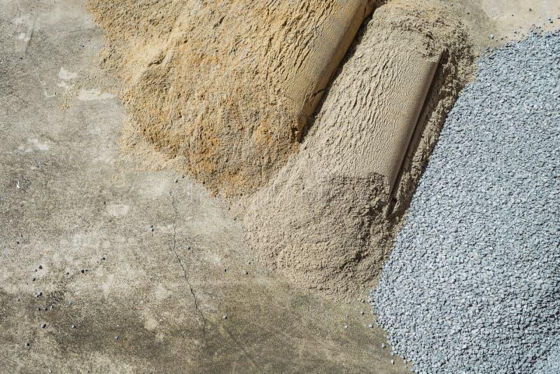 Zand en verpletterd die Rots voor weg, tuin, muur, bouw wordt gebruikt, royalty-vrije stock foto's