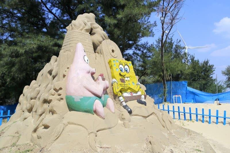 Zandbeeldhouwwerk van spongebob (sponsbaby) stock afbeeldingen