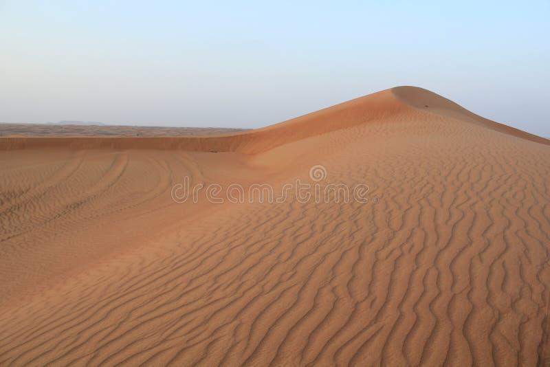 Zandduinen in al Khali van woestijnrub' stock afbeeldingen