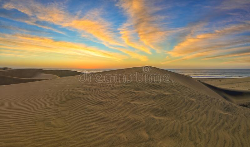 Zandduinen in beroemd natuurlijk Maspalomas-strand Gran Canaria Kuuroord stock foto's