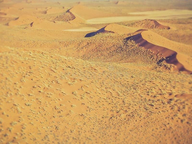Zandduinen in de woestijn van Namibië stock afbeelding