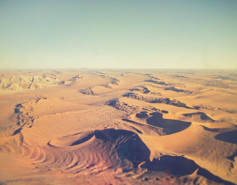 Zandduinen in de woestijn van Namibië royalty-vrije stock foto