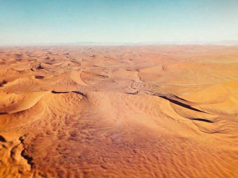 Zandduinen in de woestijn van Namibië royalty-vrije stock afbeeldingen