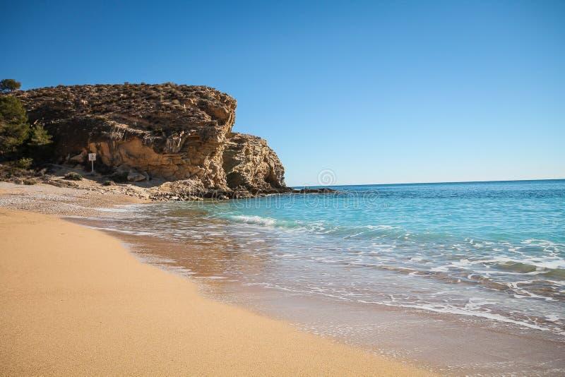 Zandig strand Bol Nou op Costa Blanca, Villajoyosa, Spanje royalty-vrije stock afbeelding