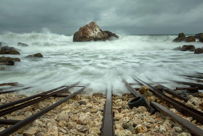 Zandig strand in de Baai royalty-vrije stock fotografie