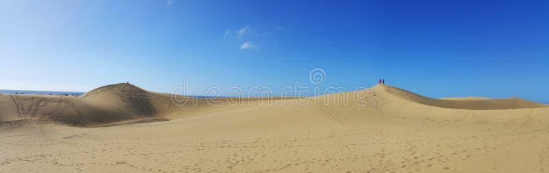 Zandige duinen in beroemd natuurlijk Maspalomas-strand stock foto's